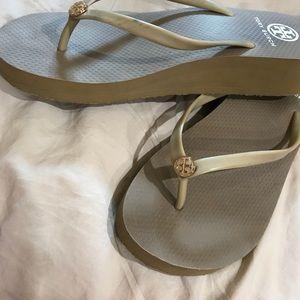 fc8909365038a5 Tory Burch Shoes - Flip Flops